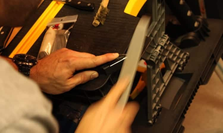 Broadhead-Sharpening-with a file