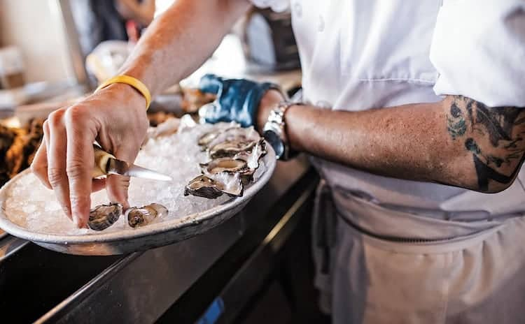 how-to-shuck-oysters-2