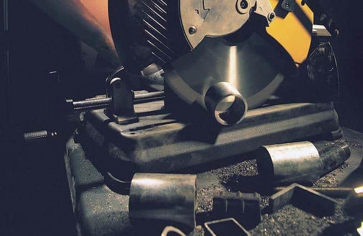 dewalt-dw872-14-inch-multi-cutter-saw-pic-2