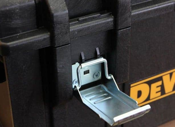 dewalt-large-tough-case-metal-latch-materials