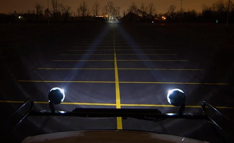 work-lights-on-vehicle
