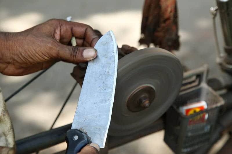 What Kind of Oil Is Needed for a Sharpening Stone?