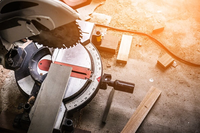 Best Sliding Compound Miter Saw For 2019